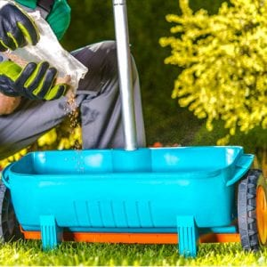 how to choose the right fertilizer for your lawn